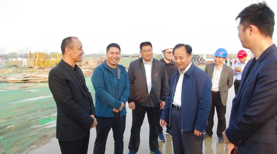 新郑市市长马志峰一行莅临河南腾达亚博体育调研